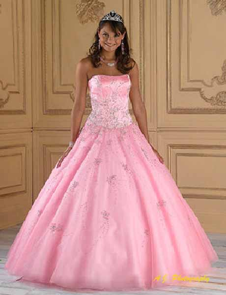 Quinceañera in beautiful gown